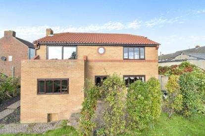 4 Bedrooms Detached House for sale in Estelle House, Tees Street, Loftus