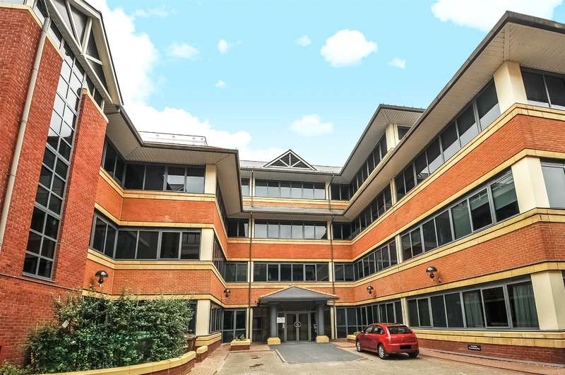 1 Bedroom Penthouse Flat for sale in Swan House, Homestead Road, Rickmansworth, Hertfordshire, WD3