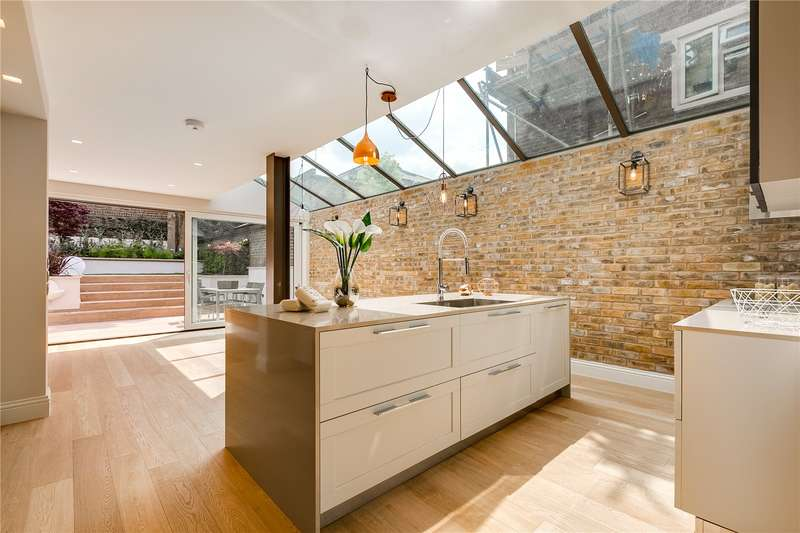 6 Bedrooms Terraced House for sale in Bassein Park Road, London, W12
