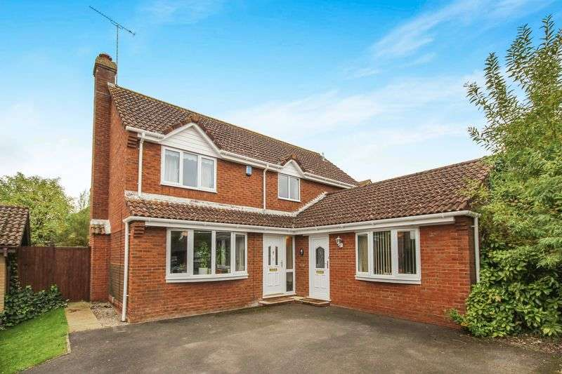 4 Bedrooms Detached House for sale in SWAN CLOSE, DURRINGTON, SP4