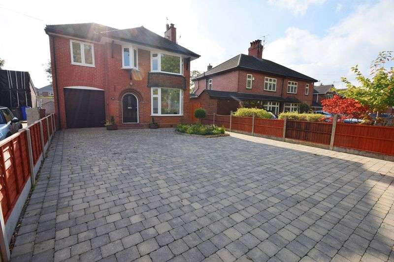 4 Bedrooms Detached House for sale in Trentham Road, Blurton