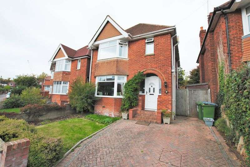 3 Bedrooms Detached House for sale in Oliver Road, Woodmill