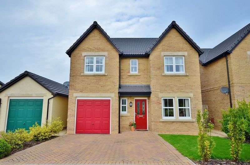 4 Bedrooms Detached House for sale in Whins Close, Workington