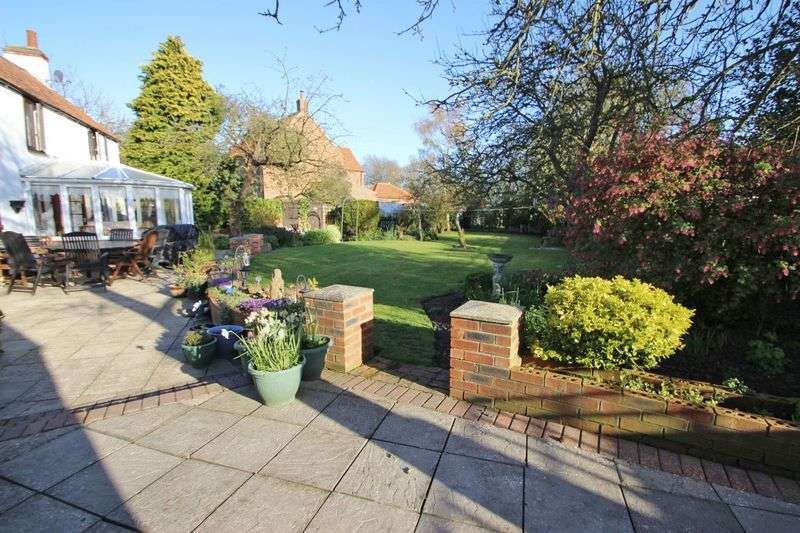 2 Bedrooms Detached House for sale in MAIN STREET, FULSTOW