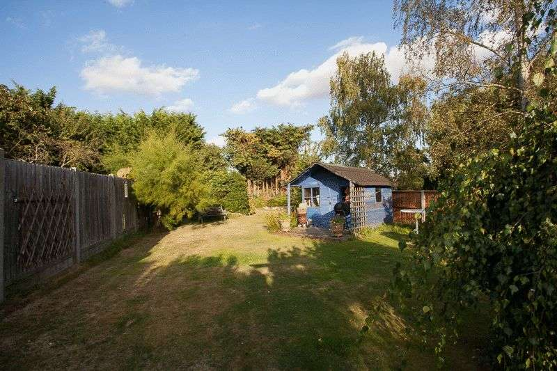 4 Bedrooms Property for sale in Ashingdon Road, Rochford