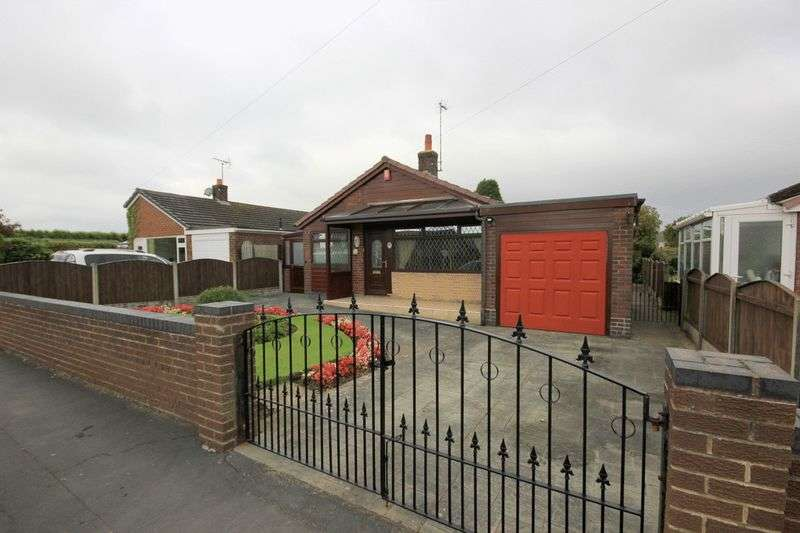 2 Bedrooms Detached Bungalow for sale in Golborn Avenue, Meir Heath, Stoke-On-Trent