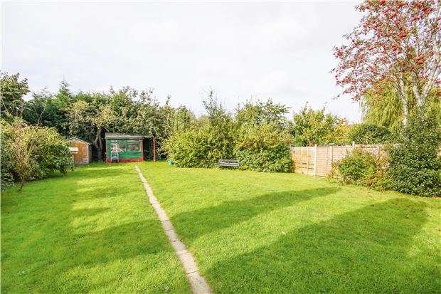 3 Bedrooms Semi Detached House for sale in Burley Crest, Downend, BRISTOL, BS16 5PW