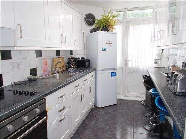 3 Bedrooms Semi Detached House for sale in Watson Avenue, SUTTON, Surrey, SM3 9RE