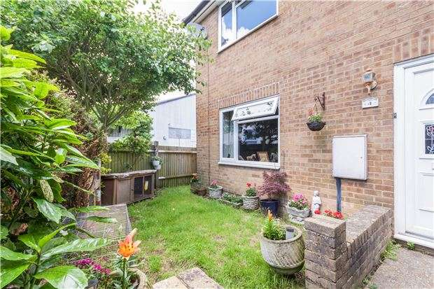 2 Bedrooms Terraced House for sale in Donric Place, ST LEONARDS, East Sussex, TN38 9LP