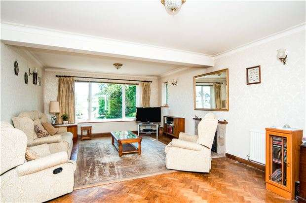 4 Bedrooms Detached House for sale in Southdown Road, Eastbourne