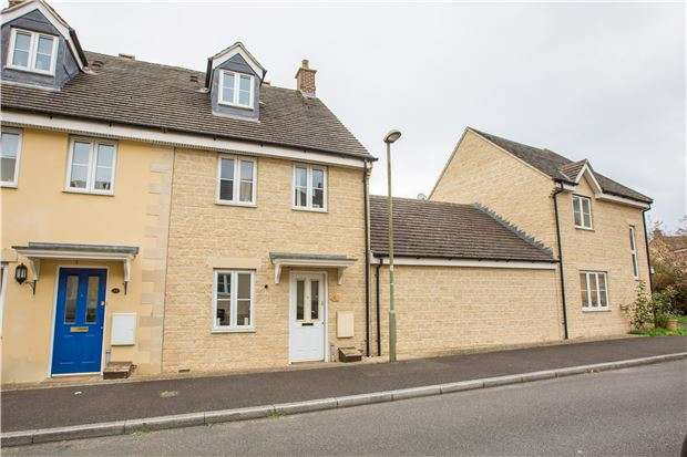 3 Bedrooms Town House for sale in The Oaks, CARTERTON, Oxfordshire, OX18 1GN