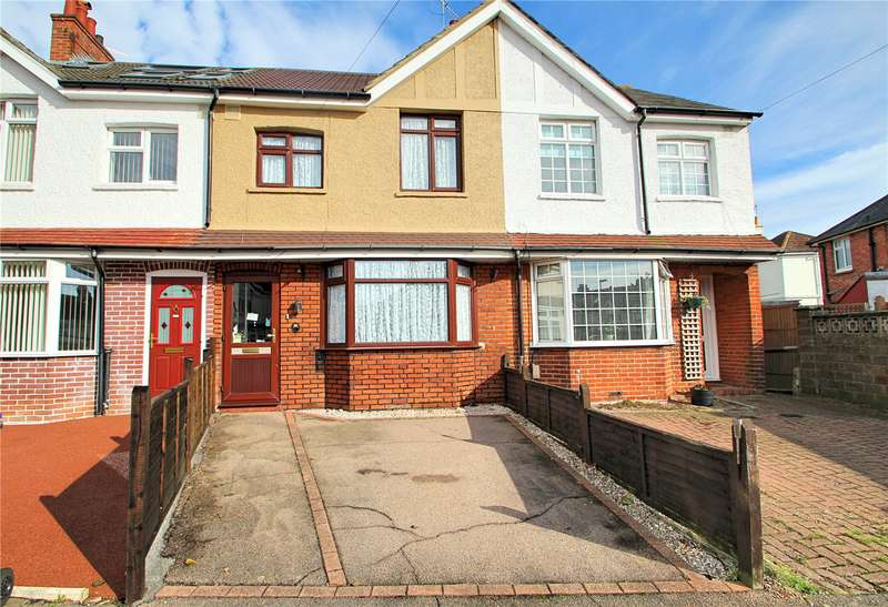 3 Bedrooms Terraced House for sale in Westcourt Place, Worthing, West Sussex, BN14