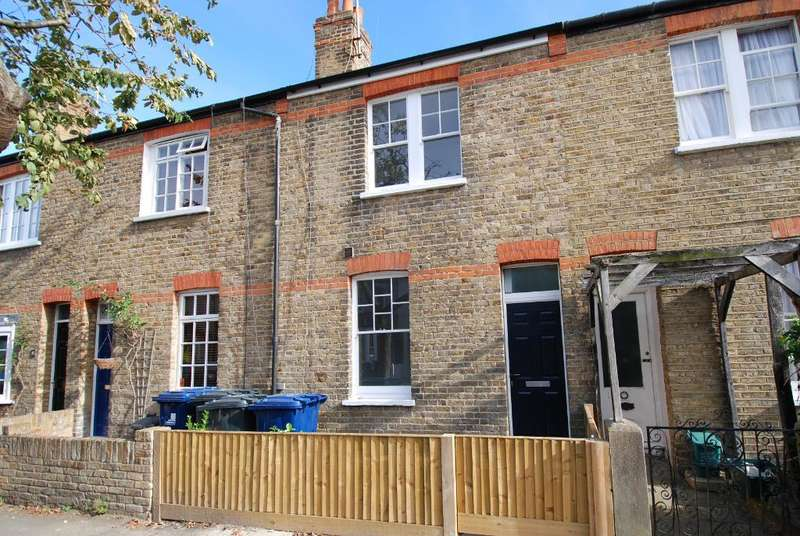 3 Bedrooms Terraced House for sale in Ridley Avenue, Ealing, London, W13 9XW