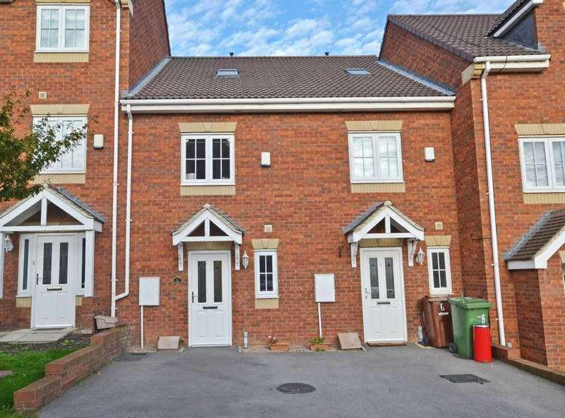 3 Bedrooms Town House for sale in Sunnydale Gardens, Ossett
