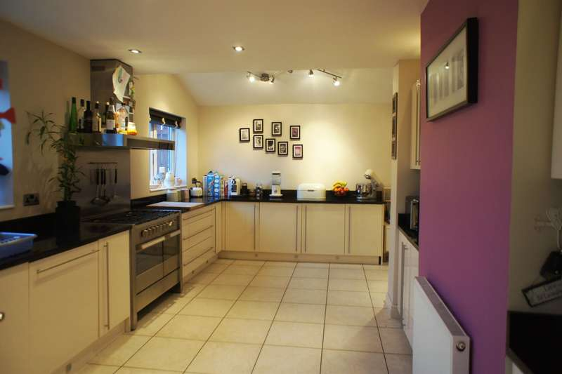 3 Bedrooms Semi Detached House for sale in Hills Road, Deepcar , Sheffield, S36 2QN