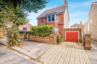 3 Bedrooms Detached House for sale in Portland Villas, Hove, East Sussex