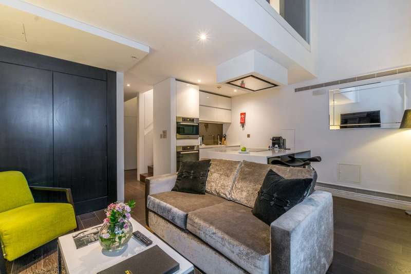 1 Bedroom Flat for sale in Marconi House, The Strand, WC2R