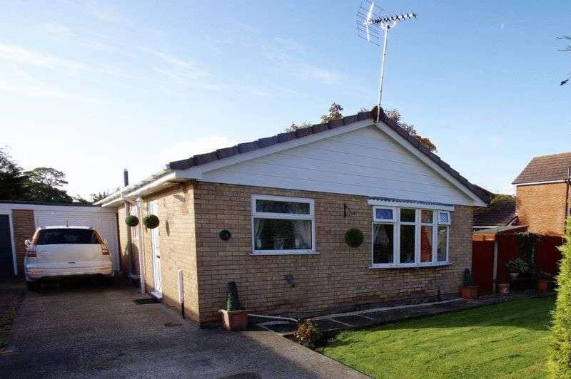 3 Bedrooms Bungalow for sale in Laburnum Way, Wrexham