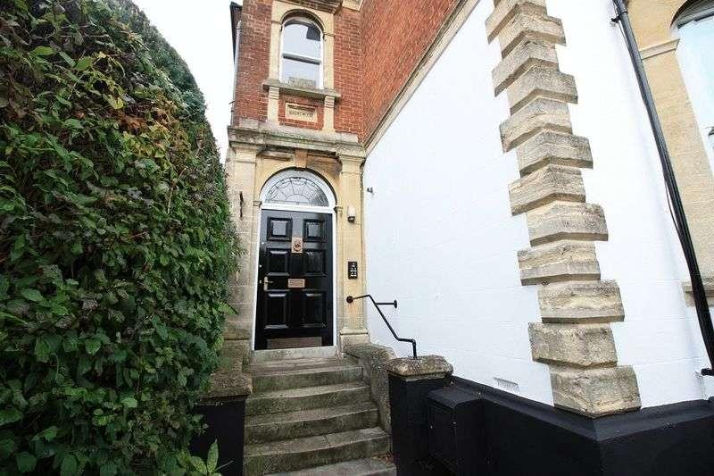 1 Bedroom Flat for sale in 41 Wyndham Road