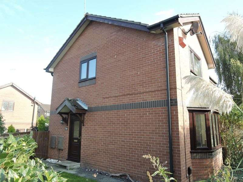 2 Bedrooms Semi Detached House for sale in Stancliffe Road, Manchester