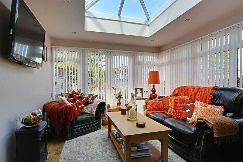 3 Bedrooms Semi Detached House for sale in Sigston Road, Beverley