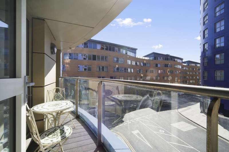 2 Bedrooms Flat for sale in Queensland Terrace N7 7FE