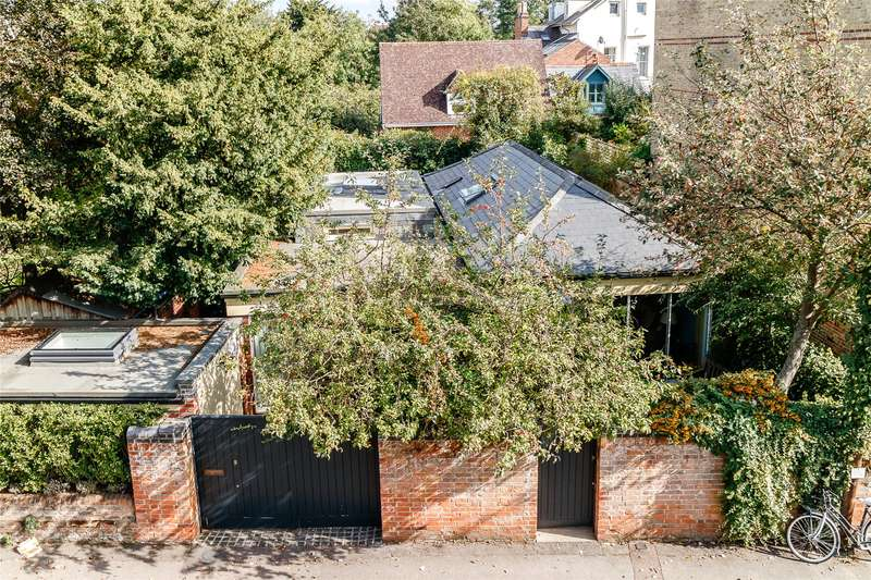 3 Bedrooms Detached House for sale in Winchester Road, Oxford, OX2