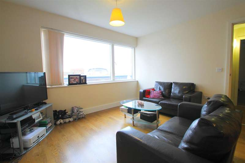 2 Bedrooms Property for sale in Celestia, Falcon Drive, Cardiff Bay