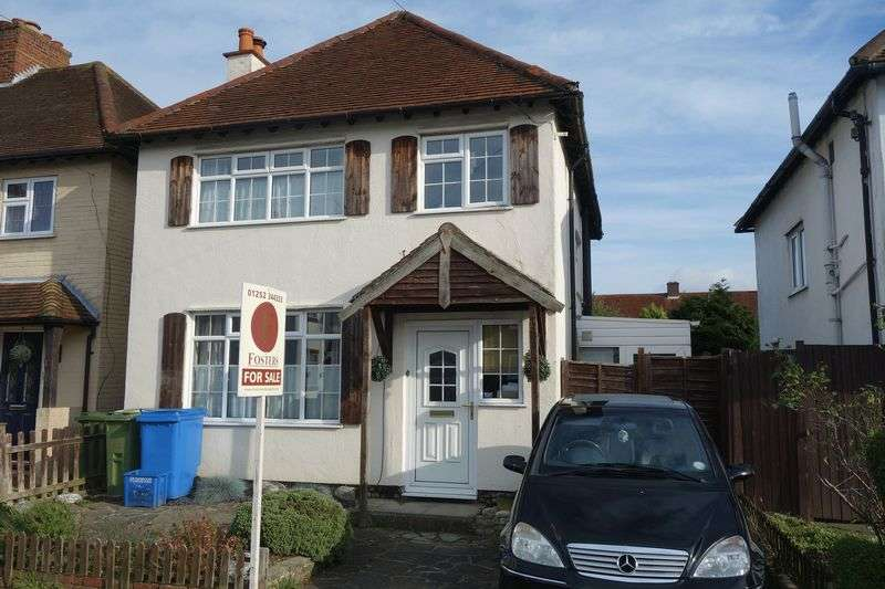 3 Bedrooms Detached House for sale in Northbrook Road, Aldershot