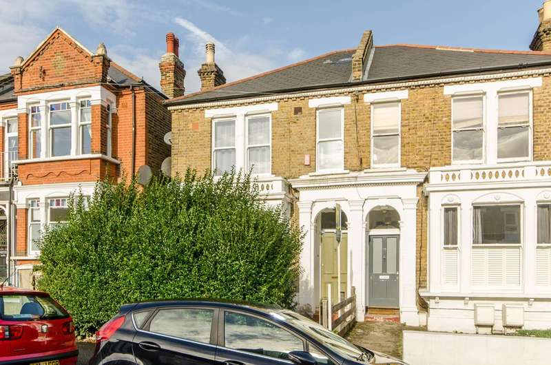 1 Bedroom Flat for sale in Wolfington Road, West Norwood, SE27