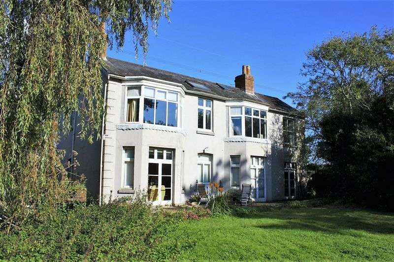 6 Bedrooms Detached House for sale in Bishops Waltham.