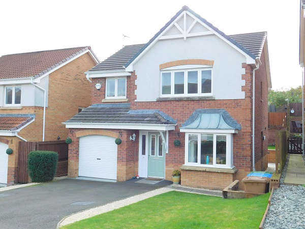 4 Bedrooms Detached House for sale in Kidlaw Crescent, Tullibody, Alloa, FK10
