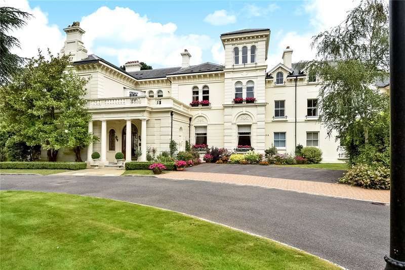 2 Bedrooms Flat for sale in The Manor, Badgers Holt, Tunbridge Wells, Kent, TN2