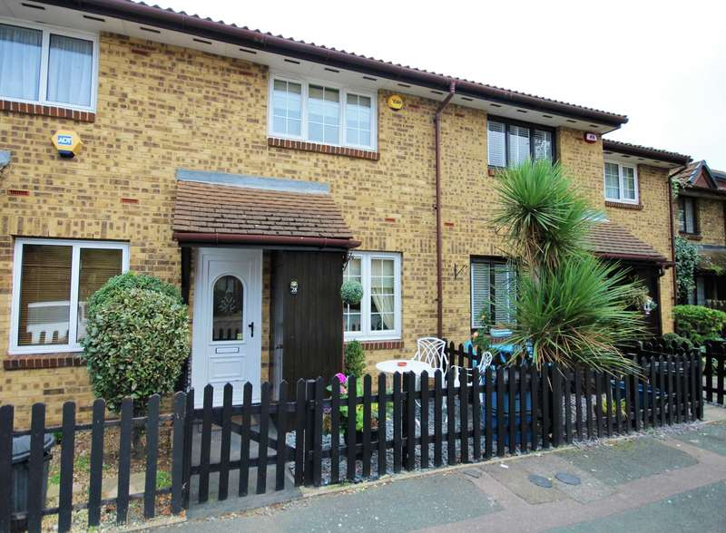 2 Bedrooms Terraced House for sale in Sapphire Close, Dagenham
