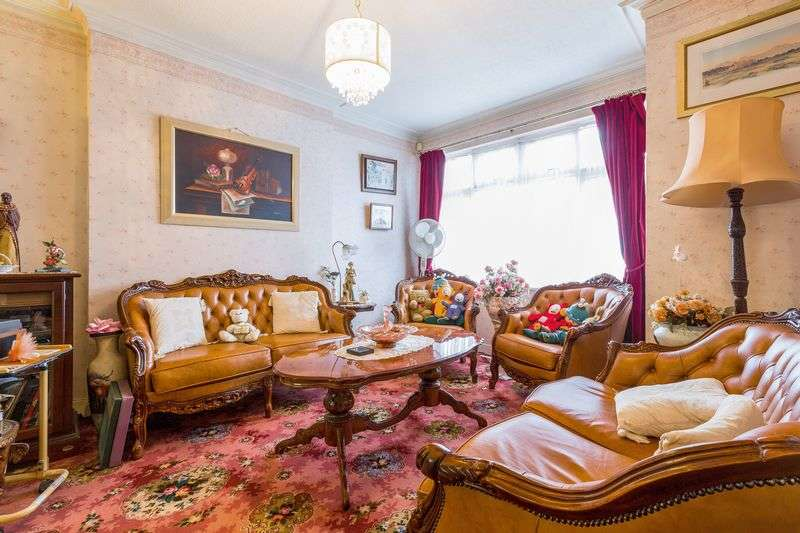 3 Bedrooms House for sale in Gracefield Gardens, London