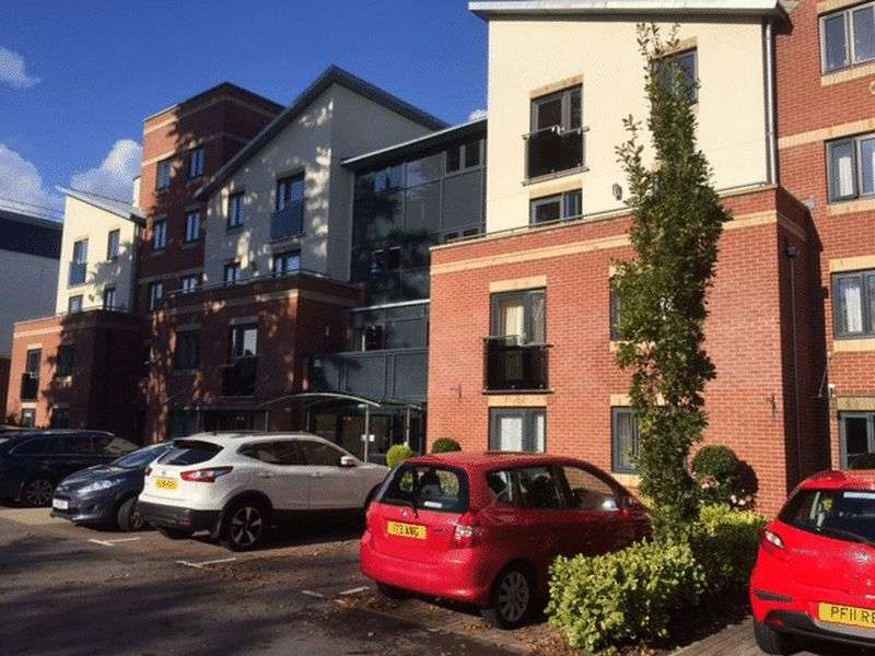1 Bedroom Flat for sale in Osbourne Lodge,Poole Road, Bournemouth: One bed fourth floor retirement apartment