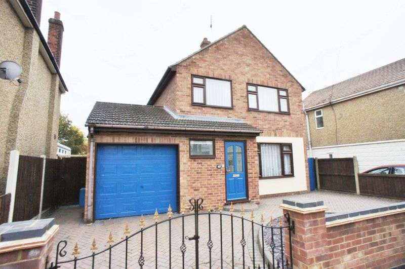 3 Bedrooms Detached House for sale in North Road, Brightlingsea