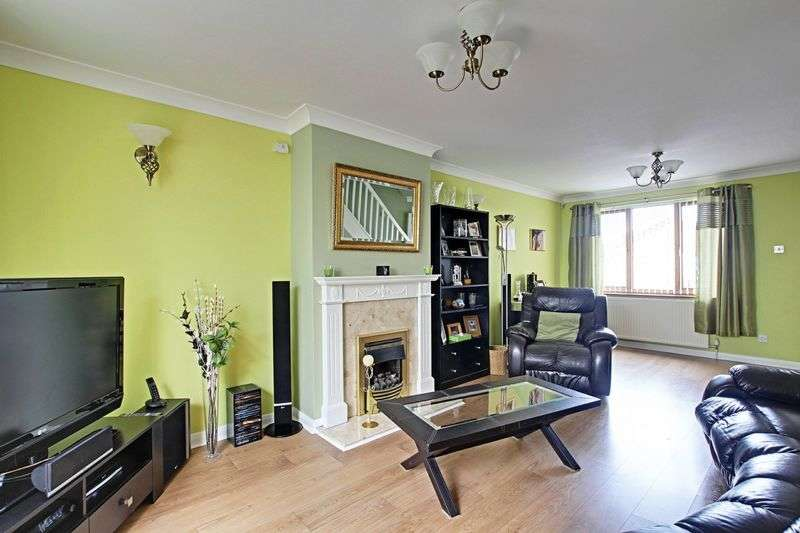 3 Bedrooms Detached House for sale in Churchill Rise, Burstwick