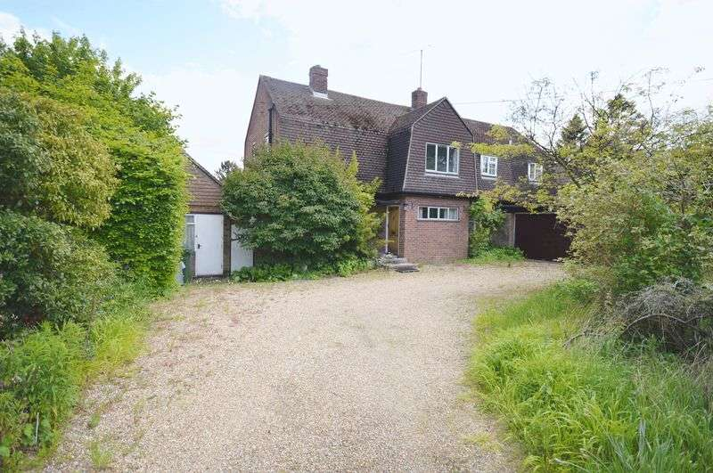 4 Bedrooms Detached House for sale in Wendover
