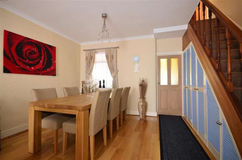 3 Bedrooms Terraced House for sale in Cazenove Road, Walthamstow