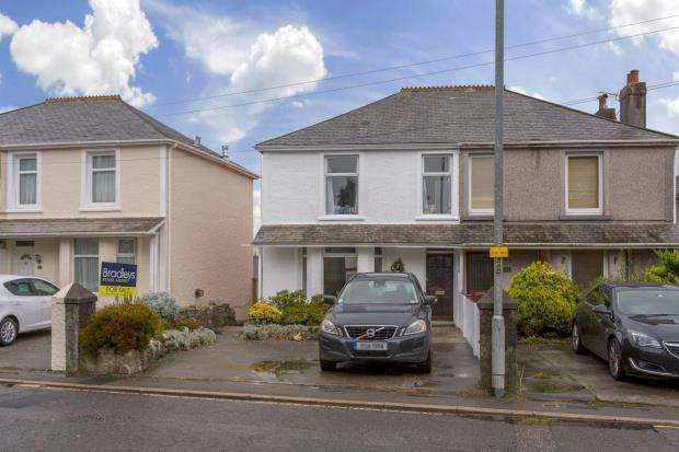 3 Bedrooms Semi Detached House for sale in Callington Road, Saltash, Cornwall