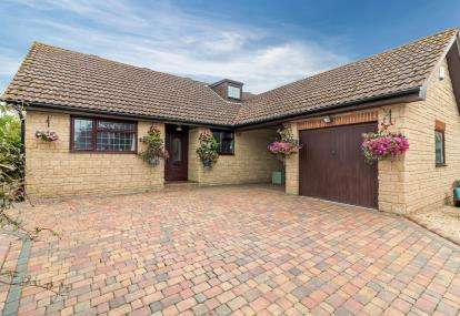 5 Bedrooms Bungalow for sale in Bower Hinton, Martock, Somerset