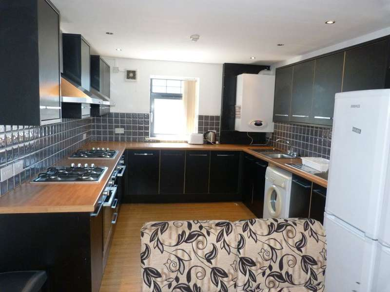 8 Bedrooms Flat for rent in Mundy Place, Cathays, ( 8 Beds )