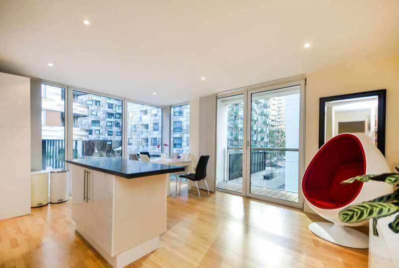 3 Bedrooms Flat for sale in Lanterns Way, Canary Wharf, E14