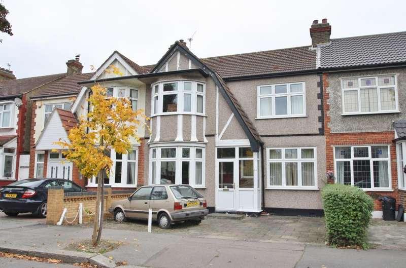 3 Bedrooms Detached House for sale in WIDECOMBE GARDENS, REDBRIDGE