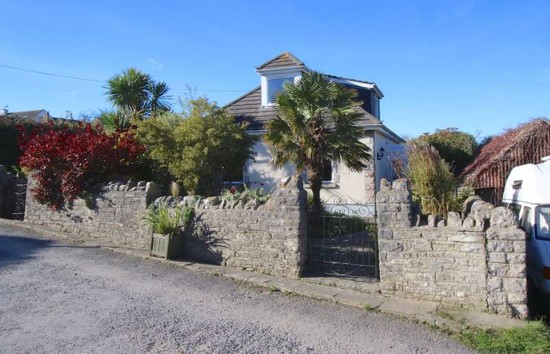 4 Bedrooms Detached House for sale in HILLVIEW ROAD, SWANAGE