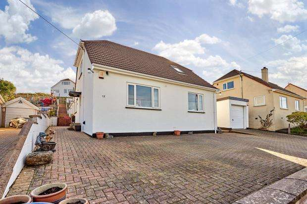4 Bedrooms Detached Bungalow for sale in St Annes Road, Saltash, Cornwall