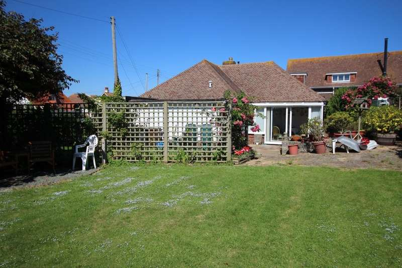 3 Bedrooms Detached Bungalow for sale in Coast Road, Pevensey Bay, Pevensey, BN24