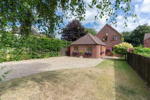 4 Bedrooms Detached House for sale in 12 Thorpland Road, Fakenham