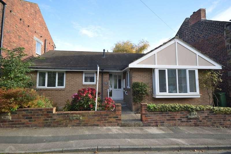 2 Bedrooms Detached Bungalow for sale in Cross Ryecroft Street, Ossett